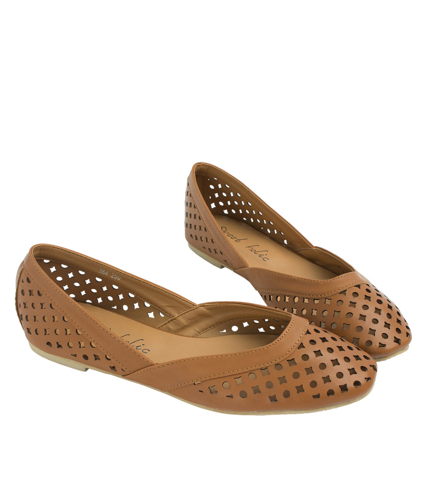 AnnaKastle Womens Geometric Cut Out Flat Shoes Brown