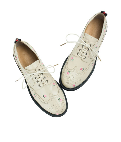 Annakastle Womens Floral Embroidered Wingtip Oxfords Beige
