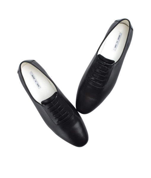 AnnaKastle Womens Sleek Leather Lace-Up Oxfords Black