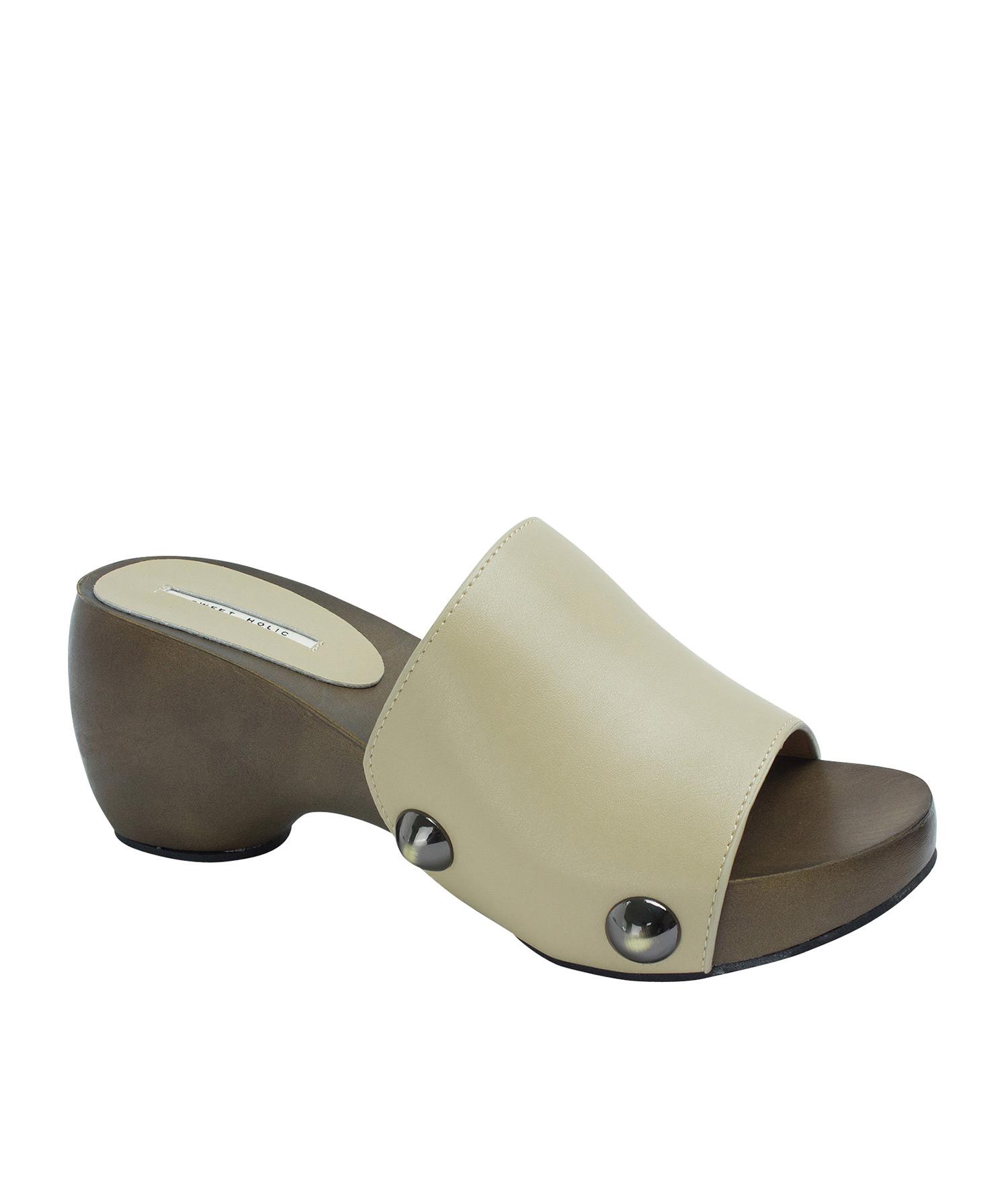 77eeb7bdb12 AnnaKastle Womens Bold Studded Platform Clog Sandals Beige