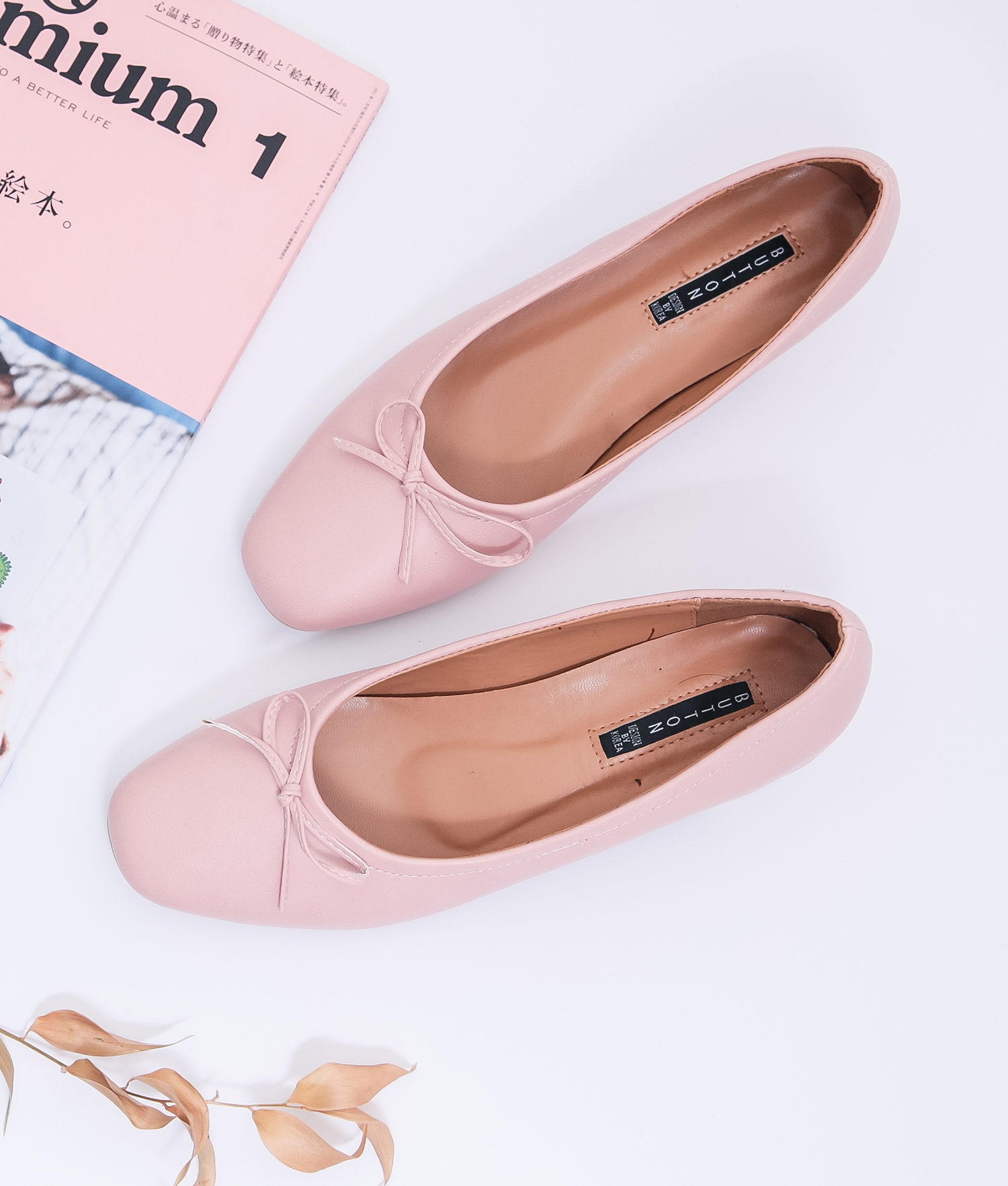 cd1a2b82dda AnnaKastle Womens Bow Front Low Block Heel Pumps Pink